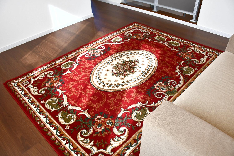レッド 絨毯 ラグ 画像