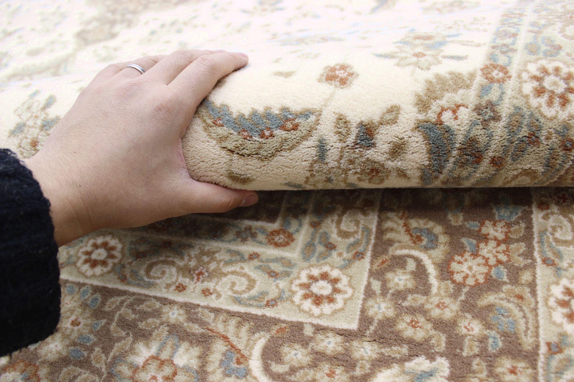 ウール 絨毯